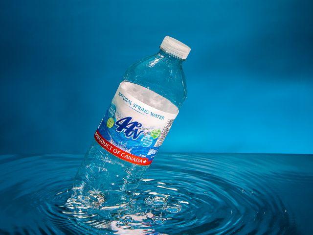 80° W / 44° N Water